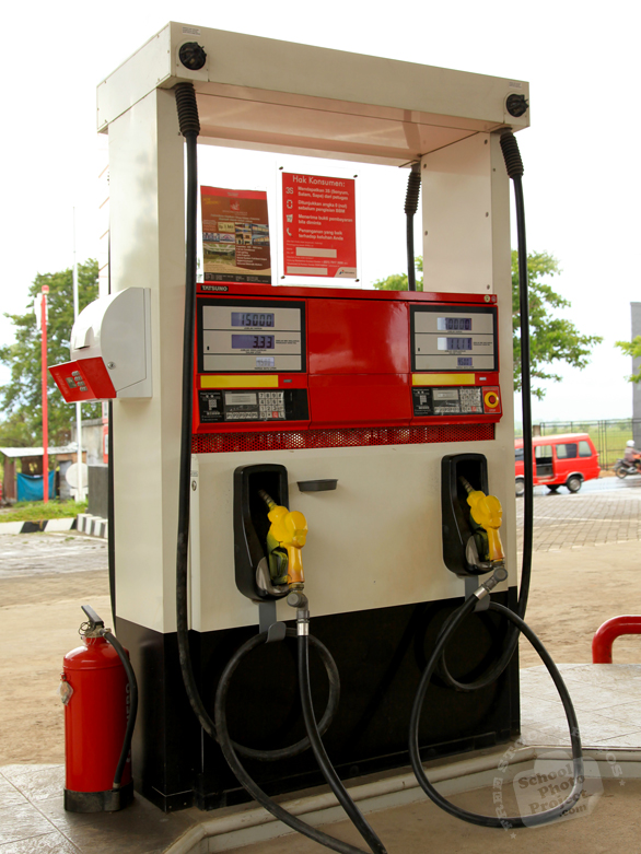 gas pump, gaspump, gas station, gasoline, petrol, petroleum, car, auto, automobile, transportation, free foto, free photo, picture, image, free images download, stock photography, stock images, royalty-free image