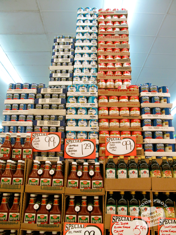 canned food, ketchup, olive oil, food inventory, grocery store, food photos, free foto, free photo, stock photos, free images, royalty-free image, stock pictures for free, free stock picture, images free download, stock photography, free stock images