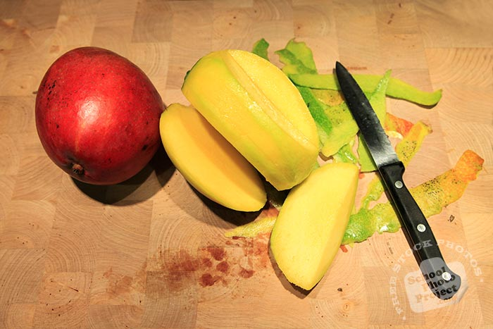 cut mango, red mangoes, fresh mango photos, tropical fruit photo, free stock photo, free picture, free image download, stock photography, stock images, royalty-free image