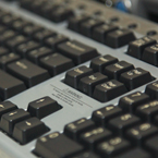 computer keyboard, qwerty keyboard, PC keyboard, old keyboard, daily objects, free stock photo, picture, free images download, stock photography, royalty-free image