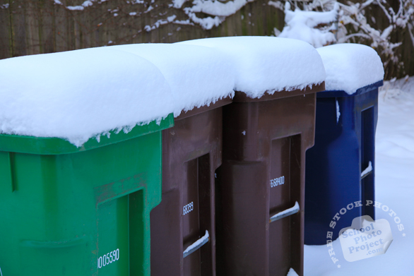 trash bin, dumpsters, recycle bin, waste container, disposal bin, daily objects, free stock photo, picture, free images download, stock photography, royalty-free image