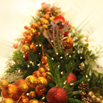 Christmas tree, Christmas ornaments picture, free stock photo, royalty-free image