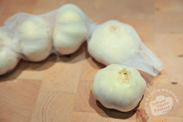 garlic, pack of garlics, vegetable photos, veggie, free stock photo, royalty-free image