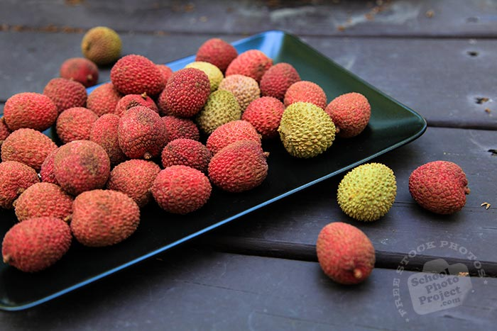lychee, lychees on plate, picture of lychees, fresh lychee, fruit photo, free stock photo, stock photography, royalty-free image