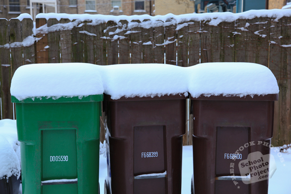 trash bin, dumpsters, recycle bin, waste container, disposal bin, wheelie bins, daily objects, free stock photo, picture, free images download, stock photography, royalty-free image