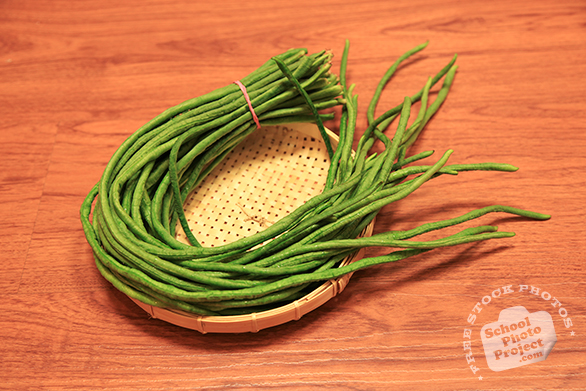long beans, yardlong bean, pea bean, snake bean, vegetable, fresh veggie, vegetable photo, free stock photo, free picture, stock photography, royalty-free image